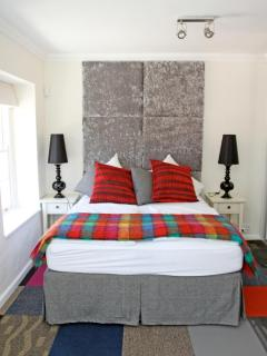 Second bedroom with view to table mountain