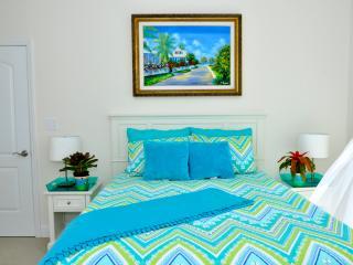 Sandyport Luxury Penthouse - Nassau, Bahamas