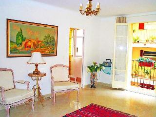 Old Town, Nice  - south-facing balcony, 1bedroom.
