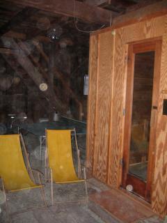 6 person sauna in barn