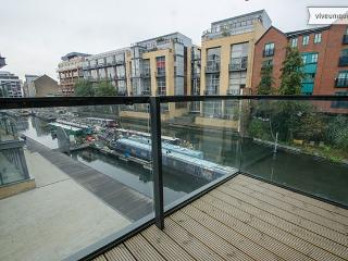 On Regent's Canal 3 bed 2 bath, Shoreditch, London