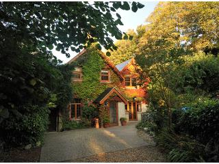 Four Star, Gold Award, secluded character cottage., Ventnor