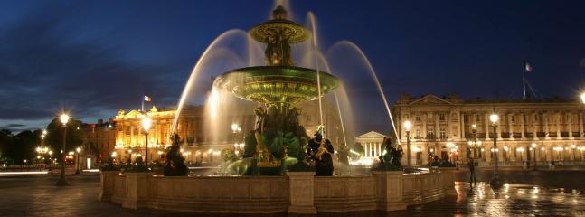 Fabulous Place De La Concorde nearby ,harmonious in colour,indescribably picturesque & noble in form