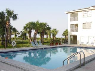Sanibel Island - Beautiful Direct Gulf-Front Condo