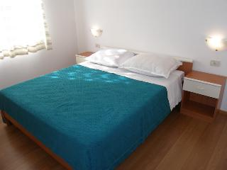Apartment for 4pax - MEDVEJA 3