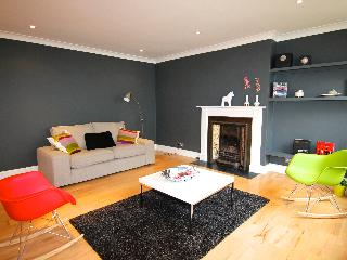Stunning Light Mews Vacation Rental on Gloucester Road in London