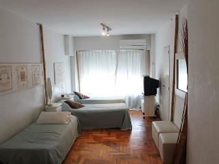 Studio/3 sleeps in downtown - Carlos Pellegrini and Marcelo T Alvear st, Centro (D171CE), Buenos Aires
