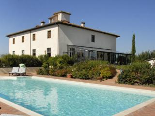 Villa Valdichiana Villa in Tuscany, Arezzo villa, holiday in Italian villa,