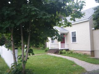 Cherry Lane Cottage Mahone Bay NS