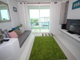 Tranquil Beachfront Condomium; Chelona - RFH000258, Hua Hin