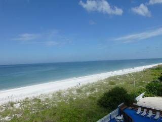 TRULY A VACATION BY THE SEA!  This home is Seaside Inspired!, Indian Rocks Beach