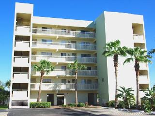 Great Intracoastal Condo just across from the Beach, Indian Shores