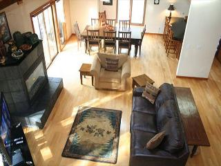Popular Sunriver Home with Ping Pong Table and Pet Friendly Near River Access