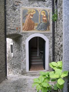 The beautiful fresco in ancient Borgo Entrance of La Gim 3