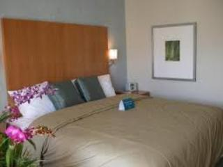 LUXURY CONDO at 5 Star Ala Moana Resort, Honolulu