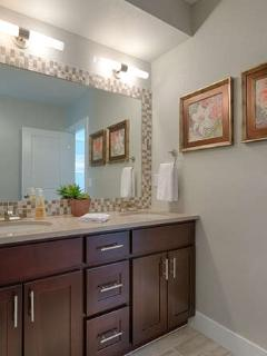 Queen bathroom with dual sinks