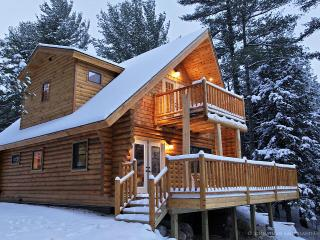 Adirondack Log Home w/ riverfront & mountain views, Wilmington