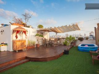 Stunning Luxurious Rooftop Duplex TLV Hilton Beach, Gedera
