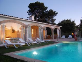 Beautiful villa with private pool and close beach, Port d'Alcudia