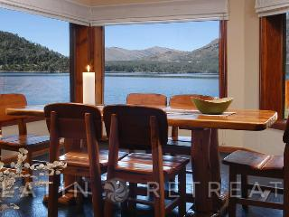 5 BED/3 BATH (H16) ON THE LAKE WITH AMAZING VIEWS!, San Carlos de Bariloche