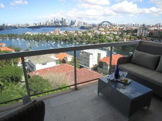 Immerse yourself in the city skyline in this uber comfy sub penthouse apartment, Mosman