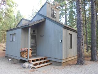 *Private Hot Tub*, Updated Thru-out! Excellent Reviews!  3 bd/1b- Come Enjoy!