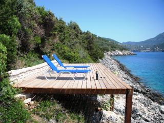 AAA - privat waterfront Villa with magical views
