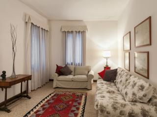 Apartment Sant'Angelo, 2 steps from St. Mark Square, Venise
