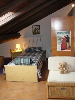 Attic Quadruple room single bed