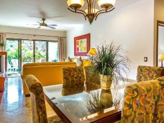Beautifuloff 3 Bedroom home with Private Balcony, Playa del Carmen