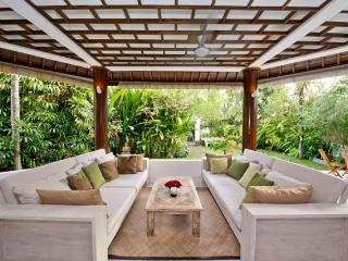 Gorgeous, spacious villa  private pool, Echo Beach, Kerobokan