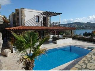 Luxury Villa with privat pool at the sea in Bodrum/ Turkey, Gundogan