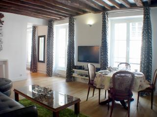 Marais Harmony - Spacious 1 bedroom apartment