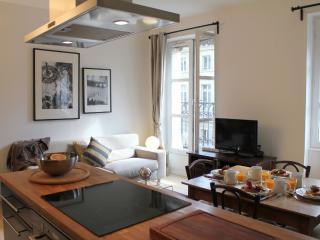 Rivoli Marais 1 bedroom apartment