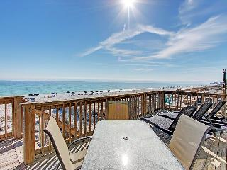 Good Day Sunshine-5BR/5BA-BeachSVC-Avail Feb14 Wkend*10%OFF April1-May26*BeachFRONT., Destin