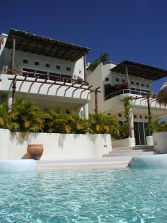 Spectacular Santa Cruz bay view - Sol y Luna 1 BR Penthouse, holiday rental in Huatulco