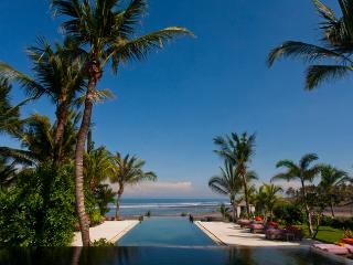 Mokenbo,Luxury 4-7 Bed,Beachfront Villa-Tabanan