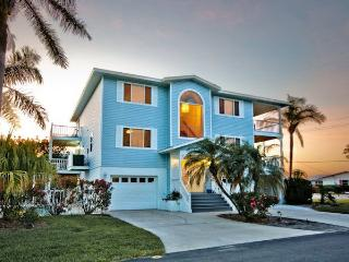 Gorgeous views,spectacular home!, Anna Maria