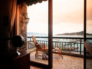Beautiful Family Apartment with Garden in Portovenere  - Casa Poetica