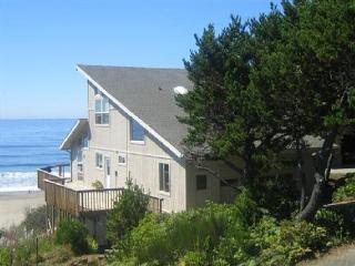 ANNAS BEACH HOUSE - Lincoln Beach, Depoe Bay
