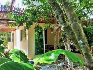 Casa Huuh, Studio A. Located and beautifull garden, Tulum