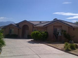 Affordable resort style living in Mission Lakes CC, Desert Hot Springs