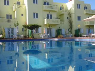 KALITHEA-APARTMENTS are charming with a large pool, Kalyves