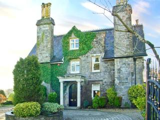 THE PRIORY, detached Grade II listed manor house, open fires, woodburner, orangery, large grounds, in Saundersfoot, Ref 26349