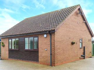 CHURCH VIEW all ground floor, family-friendly, near coast in Atwick Ref 31171