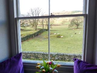 PROSPECT COTTAGE, cosy cottage with open fires, country views, close to lakes