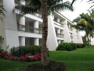 Grand Mayan, 1-or 2-bdrm Suites, Riviera Maya