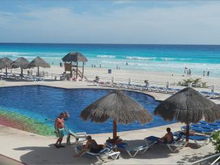 Departamento de dos recamaras frente al mar, Cancún