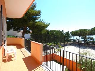 Case Vacanza Alega Mare - 3 Bedrooms Apartment, Nizza di Sicilia