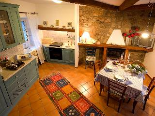 Blue House in the Tuscia area - Quiet Position, Panoramic Views